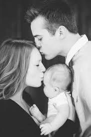"""Résultat de recherche d'images pour """"photos jolies bébé avec parents"""""""