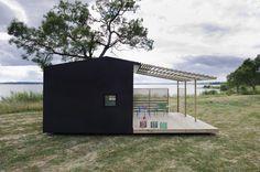 資材は郵送→自分で組み立て。150万円の手作りハウスが北欧で流行る一つの理由。