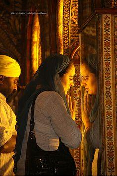 Harmandir Sahib, Golden Temple Amritsar, Guru Gobind Singh, Wallpaper Gallery, Incredible India, Mobile Wallpaper, Art Girl, Illustration Art, The Incredibles