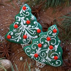 17 Ideas cupcakes decoration ideas holidays for 2019 Christmas Cupcakes Decoration, Christmas Tree Cookies, Iced Cookies, Christmas Sweets, Christmas Cooking, Noel Christmas, Holiday Cookies, Gingerbread Cookies, Christmas Goodies