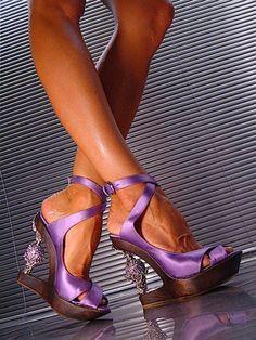I want these shoes! Cinderella Shoes, Purple Shoes, Purple Rain, Gianmarco Lorenzi, Shoe Gallery, Sexy Heels, High Heel Pumps, Beautiful Shoes, Shoe Collection