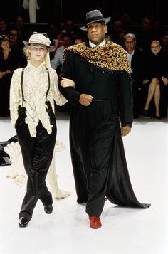 Yohji Yamamoto Spring 1999 Ready-to-Wear Fashion Show - André Leon Talley