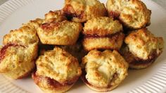 So ridiculously simple. The ingredients are standard: no need to buy anything just for this recipe. The best part: I use Mom's Homemade Jam. Muffin Tin Recipes, Biscuit Recipe, Bread Recipes, Cooking Recipes, Cooking Stuff, Muffin Tins, Recipe Box, Mini Muffin Desserts