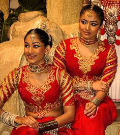 Image result for traditional sri lankan clothing