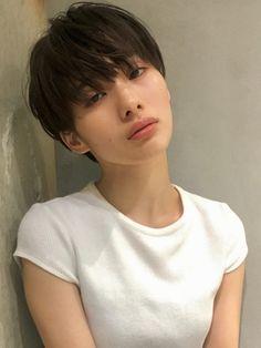 Short Hair Tomboy, Asian Short Hair, Girl Short Hair, Short Hair Cuts, Short Hair Korean Style, Korean Short Haircut, Shot Hair Styles, Curly Hair Styles, Cut My Hair