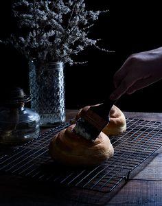 Novias | RÚSTICA Mexican Bread, Healthy Recipes, Healthy Meals, Pastel, Art, Rustic Groom, Mexican Sweet Breads, Small Shops, Egg Yolks
