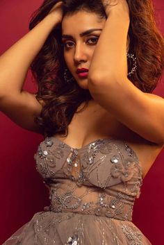 Glamorous Indian Girl Raashi Khanna Hot Photoshoot Bollywood Wallpaper BOLLYWOOD WALLPAPER : PHOTO / CONTENTS  FROM  IN.PINTEREST.COM #WALLPAPER #EDUCRATSWEB