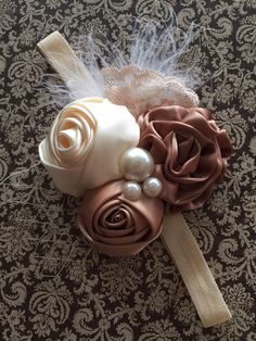 Ivory and Brown Satin Rose Headband por HaydenLynnBoutique en Etsy