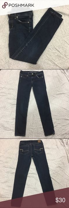 """Dark wash skinny jeans American eagle super stretch dark wash skinny jeans. Never worn, but doesn't have tags. Inseam is 29"""" and rise is 7 1/2"""". In great condition. Feel free to make a reasonable offer 💕 American Eagle Outfitters Jeans Skinny"""