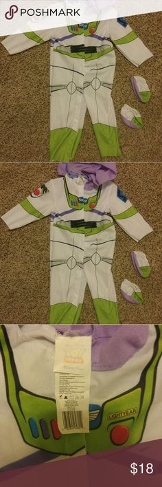 😲Last chance!😲 Garage sale tomorrow!!!! Lightweight, easy to put on and off. Could layer over warm clothing easily with it's easy snap buttons. Attached purple hoodie and separate booties that could be skipped over shoes. Tag does not say size but it's a 2T 3T.  Walt Disney Halloween Costume toddler Toy Story Buzz light-year play children's boy girl unisex Disney Store dress up Disney Costumes Halloween