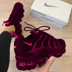 Women shoes For Work High Heels - - Women shoes Adidas Sneakers - Zapatos Nike Air, Nike Air Shoes, Nike Air Max, Nike Shoe, Cute Sneakers, Sneakers Nike, Sneakers Workout, Sneakers Fashion, Fashion Shoes