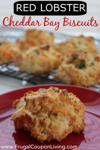 Red Lobster Copycat Cheddar Bay Biscuits Recipe- Simple and Easy #copycat #redlobster #biscuits, repinned by @Kate at Coupon Cravings