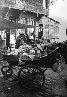 Bir seyyar manavın sesinden dinlediniz mi hiç İstanbul'u? #birzamanlar #nostalji #istanlook