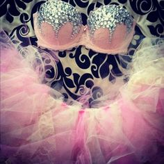 I don't go for tutus but I love the rhinestone embellishments on that bra! The placement is fantastic.