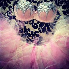 It looks like a princess outfit! (:   #rave #raver #gogo #edc