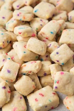 These adorable mini Funfetti Shortbread Bites are ridiculously easy to make and totally addictive. Crisp, buttery and filled with Funfetti, you'll be forgiven for not wanting to share! Shortbread Recipes, Shortbread Cookies, Sugar Cookies, Baking Recipes, Dessert Recipes, Cake Recipes, Baking Ideas, Pork Buns, Baking With Kids