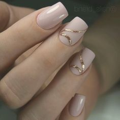 Rose Gold Nails Classy Here are 27 rose gold nail designs; from Nail Designs Journal Rose gold nails are what you need to look stylish but elegant. The thing is that rose gold shades can make the neutral tones look fresher and cooler while Classy Nail Art, Elegant Nail Art, Elegant Nail Designs, Trendy Nail Art, Cool Nail Art, Gold Acrylic Nails, Stiletto Nail Art, Rose Gold Nails, Nude Nails