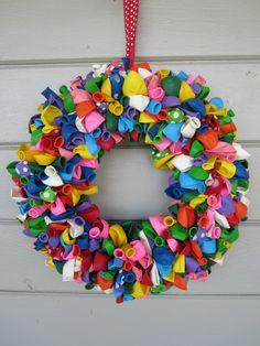 Balloon Wreath, Birthday Wreath, Birthday Decorations, Summer Wreath, Spring Wreath by ritzywreaths on Etsy Balloon Wreath, Balloon Decorations, Birthday Decorations, Birthday Wreaths, School Decorations, Wreath Crafts, Diy Wreath, Diy Crafts, Tulle Wreath
