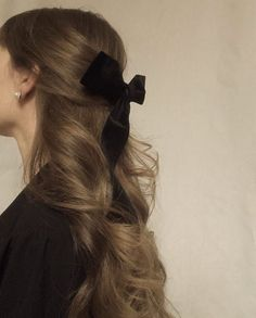 Aesthetic Hair, Hair Day, Pretty Hairstyles, Scarf Hairstyles, Updo Hairstyle, Hairstyle With Bow, Ribbon Hairstyle, Classy Hairstyles, Celebrity Hairstyles