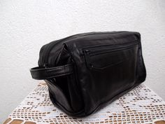 Mens Toiletry Bag, Genuine Leather Dopp Kit, Unisex Cosmetic Pouch, Travel  Organizer, , Vanity Make Up Holder, Beauty Routine Zipper Pouch cc3bb6f737