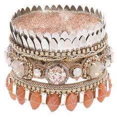Jacinda Cuff ❤ liked on Polyvore featuring jewelry, bracelets, cuff jewelry, leaf bangle, leaves jewelry, leaf jewelry and cuff bangle
