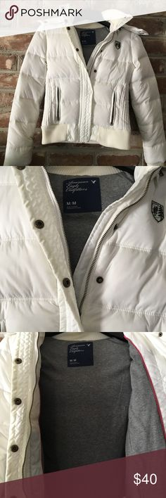 SUNDAY SALE!! American Eagle Puffer Jacket Excellent condition! Detachable faux fur lined hood. American Eagle Outfitters Jackets & Coats Puffers