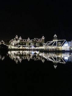 Illuminated at light - the Casino Boardwalk Port Elizabeth South Africa African Countries, Countries Of The World, Port Elizabeth South Africa, Cape Colony, Xhosa, Kwazulu Natal, Africa Travel, Holiday Destinations, Live