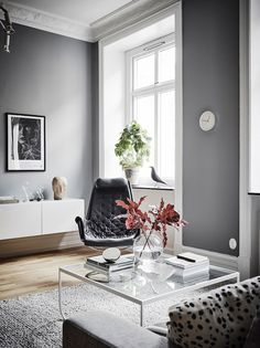 Home Tour: Grau In Grau | Lilaliv