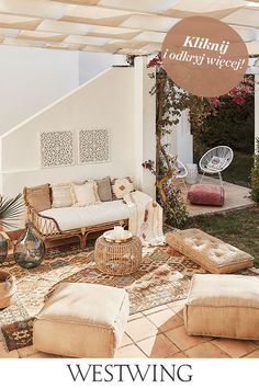 Outdoor Lounge, Outdoor Spaces, Outdoor Decor, Floor Pouf, Diy Canopy, Home Organisation, Porch Swing, Boho Decor, Outdoor Furniture Sets