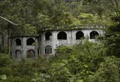 Abandoned castle in Bajo Mono, Boquete. My favorite place on earth