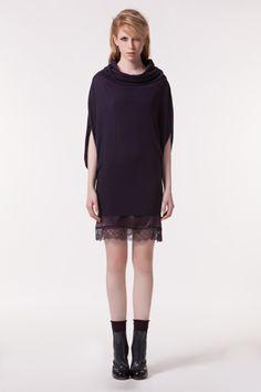 TWIN-SET Simona Barbieri :: HW13 :: Kleider :: Kleid Mit Kimono-ärmeln, Wasserfallkragen Und Unterkleid Mit Spitzensaum :: P3A3FG