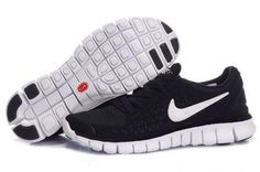 nike free runs + black and white I want some