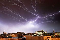 21.04 Gros orage sur Washington. Photo: AFP/Mladen Antonov