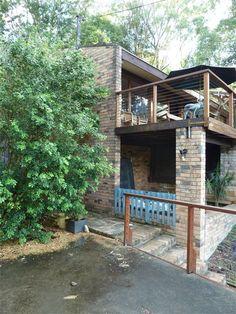 Secret Design Studio 1960's Pettit and Sevitt extension - deck railing???