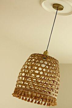 large open weave basket for diy pendant Vintage Theme, Vintage Diy, Vintage China, Vintage Style, Diy Pendant Light, Pendant Lighting, Diy Light, Basket Lighting, Lighting Ideas