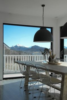 Dining room with a view // www.byrust.no/blogg  // Nordic Interior