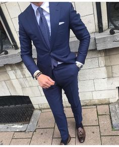 Today I am going to talk about the best blue suits for men. After researching, testing, and recommending the best blue suits for men that you can afford. Best Blue Suits, Best Suits For Men, Blue Suit Men, Cool Suits, Dark Blue Suit, Navy Blue, Guy Fashion, Mens Fashion Suits, Mens Suits