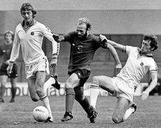 Leeds Utd 2 Derby Co 0 in Sept 1976 at Elland Road. Allan Clarke, Archie Gemmill and Trevor Cherry in action Archie Gemmill, Derby County, Leeds United, Cherry, 5th September, Action, The Unit, Football, Memories