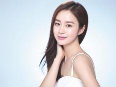 Gần U40 Kim Tae Hee vẫn được người Hàn Quốc khen ngợi hết lời nhờ bí quyết sau!