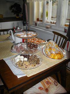 Cukroví (samé nepečené kromě perníčků) a snídaně na Štědrý den...mňam