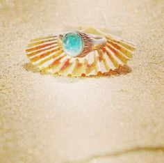 Mermaid mood ring... How much more perfect could this get!! I need this pronto!!!
