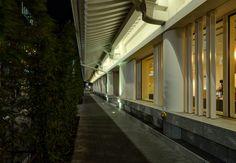 abukiza Tower (歌舞伎座タワー).</b> Architect : Mitsubishi Estate, Kengo Kuma (設計:三菱地所設計、隈研吾建築都市設計事務所). Contractor : Shimizu Corporation (施工:清水建設).