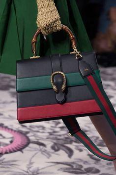 Gucci at Milan Spring 2016 (Details) - SMila - Frauen Taschen Hermes Handbags, Burberry Handbags, Fashion Handbags, Purses And Handbags, Fashion Bags, Milan Fashion, Cheap Handbags, Gucci Bags, Popular Handbags