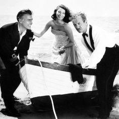 "Stewart Granger, Ava Gardner y David Niven en ""La Cabaña"" (The Little Hut), 1957"