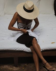 Instagram Sincerely Jules, Love Her Style, Panama Hat, Hats, Photography, Instagram, Fashion, Moda, Photograph