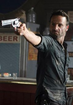 Rick Grimes (Andrew Lincoln) - The Walking Dead - Season 2,