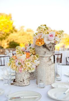 Birch bark crafts and decorating ideas with rustic flair #diy #centerpiece #flowers