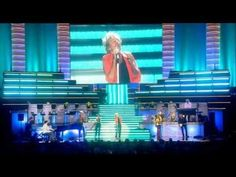 Rod Stewart - Handbags and Gladrags (Live at Royal Albert Hall 2004) - An Old Raincoat Won't Ever Let You Down album 1969