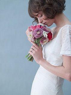 【ウェディングドレス編】あえて切りたいくらいかわいい!ショート~ボブの花嫁ヘアスタイル。 - NAVER まとめ