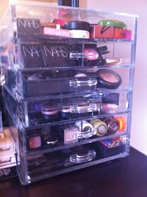 Moms Makeup Stash - A Beauty and Lifestyle Blog: ORGANIZATION: Muji Drawers & The Clear Cube